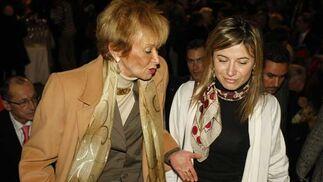 María Teresa Fernández de la Vega y la ministra Bibiana Aido  Foto: Jose Ramon Ladra