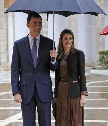 Sus Altezas Reales posan para los medios gráficos.  Foto: Juan Carlos Vázquez
