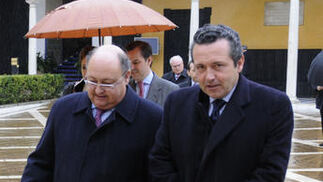 Gonzalo de Madariaga, presidente de Macpuarsa, a la derecha.  Foto: Juan Carlos Vázquez