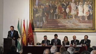 Alfredo Sánchez Monteseirín, alcalde de Sevilla, habla en el acto de presentación de la Fundación Príncipe de Girona.  Foto: Juan Carlos Vázquez