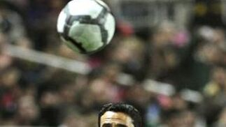 Un gol de Luis Fabiano da la victoria al Sevilla ante Osasuna. / EFE