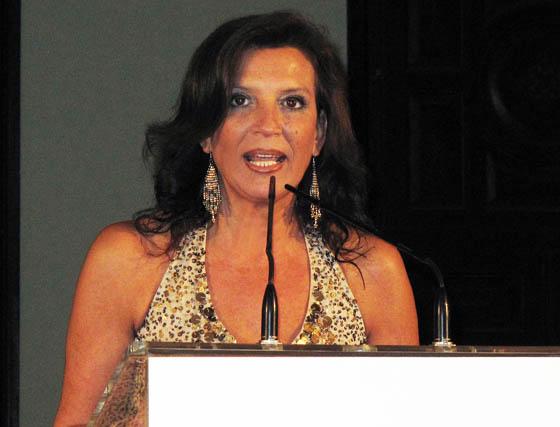 Nani Carvajal, presidenta de la Asociación de la Prensa de Sevilla, durante su intervención.  Foto: Victoria Ramírez