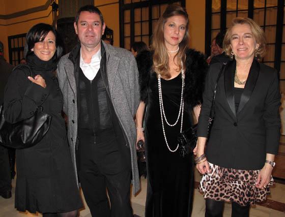 Mercedes Valverde (Destilerías Bordas), Demetrio Pérez, director del Centro de Estudios Andaluces, con Eva Leal y Pilar Suriñach, miembros de la Junta Directiva de la APS.  Foto: Victoria Ramírez