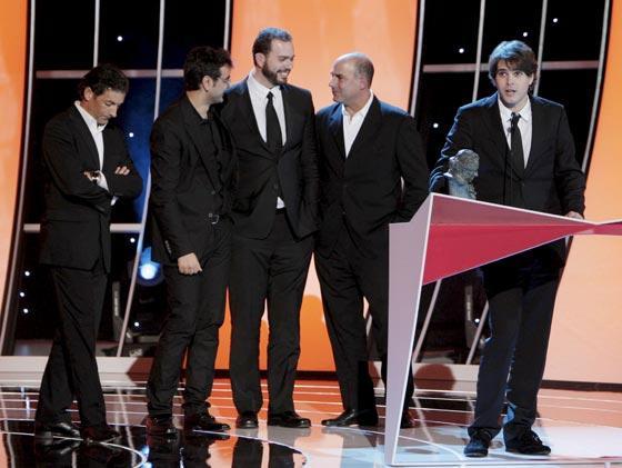 El equipo de la película 'La Dama y la Muerte' recibe el Goya al Mejor Cortometraje de Animación. / Efe