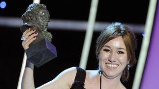 Lola Dueñas recibe el Goya a la mejor actriz por 'Yo también'. / AFP Photo