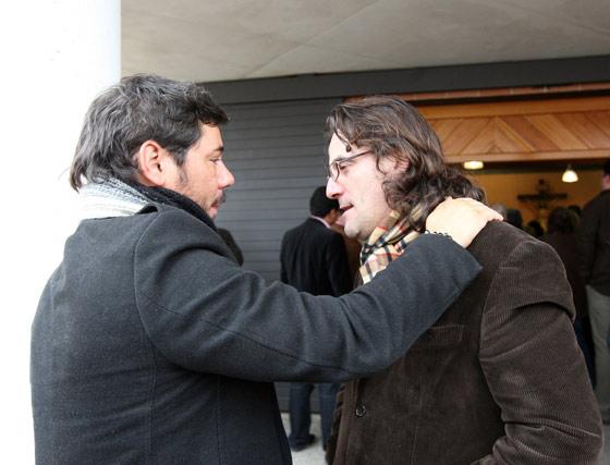 """Miguel Poveda dialoga con """"el Pescailla"""".  Foto: Juan Carlos Toro"""