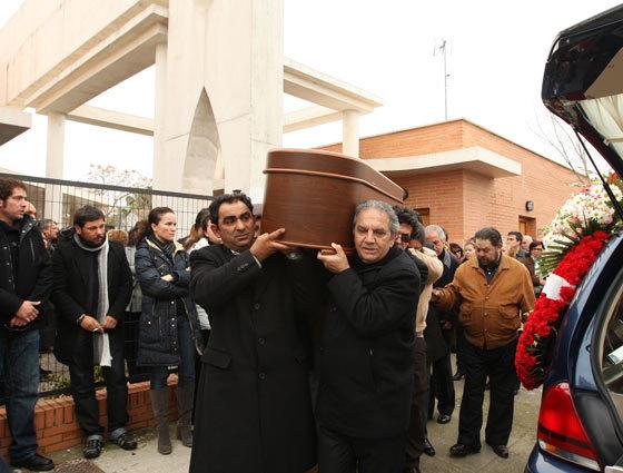 El ataúd con los restos del artista.  Foto: Juan Carlos Toro