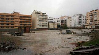 Destrozos ocasionados por la lluvia y el viento.  Foto: Agencias