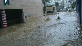 Garage inundado en Estepona.  Foto: Agencias