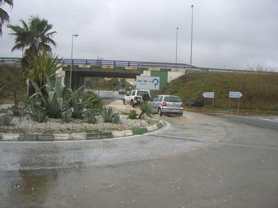 Numerosas carreteras de la provincia quedaron anegadas.  Foto: Agencias
