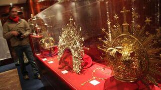 Coronas de la Virgen.  Foto: Bel?Vargas