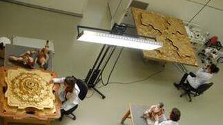 Trabajos de conservación en el taller de escultura del IAPH.  Foto: IAPH/Eugenio Fernández