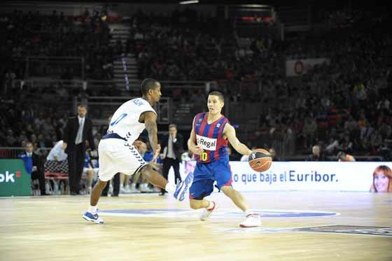 Calloway presiona al esloveno del Barcelona Lakovic.
