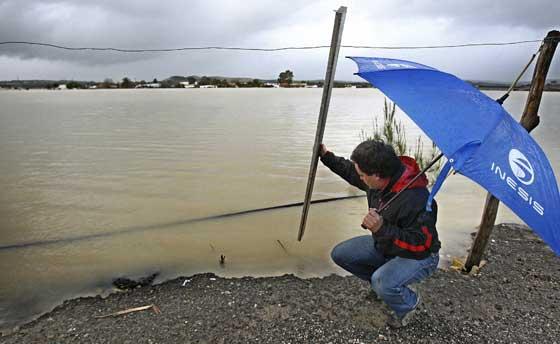 Efectos del temporal en Jerez de la Frontera  Foto: Paco Periñan / Aguilar / Borja Benjumeda / Pascual/ JC Toro / Efe