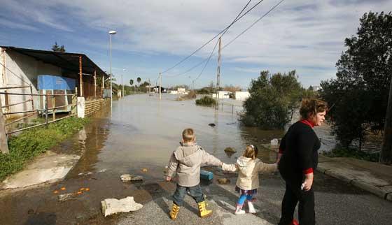 Efectos del temporal en Jerez de la Frontera  Foto: Paco Periñan / Aguilar / Borja Benjumeda / Pascual/ JC Toro / EfeEfe