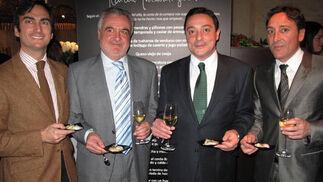 Eduardo Tassara y Antonio Luis Borrego (Banesto), con los promotores y hoteleros de Salamanca y madrid, Juan y José Curto.  Foto: Victoria Ramírez