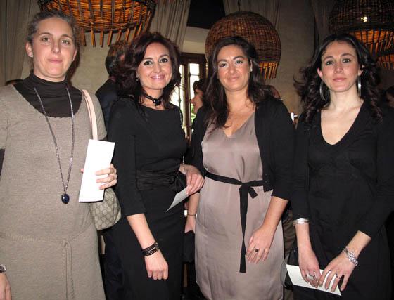 María Huete (Escuela de Hostelería de Sevilla), con Inmaculada Bernal, Leticia García y María Méndez, de EME Catedral Hotel.  Foto: Victoria Ramírez