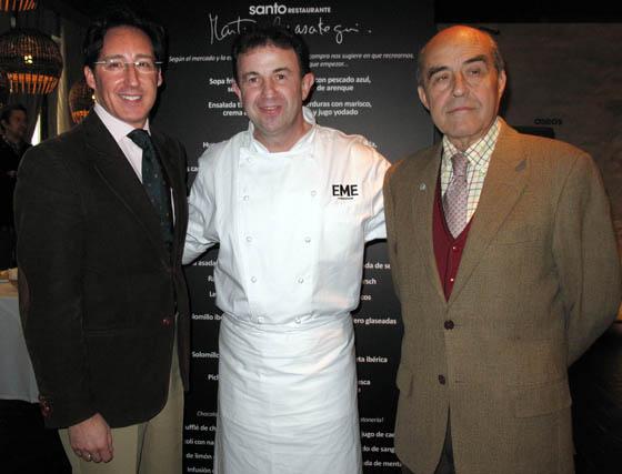 Pedro Robles y Juan Robles (Grupo Robles) con Martín Berasategui.  Foto: Victoria Ramírez