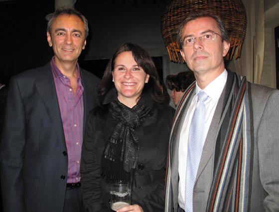 Pedro Martos (Canal Sur), con Pilar Fuentes y José  Luis Jiménez (Escuela Universitaria de Estudios Empresariales y Turismo).  Foto: Victoria Ramírez