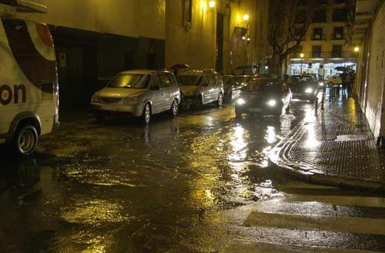 Los accesos al centro registraron la mayoría de atascos a causa de las precipitaciones.  Foto: Victoria Hidalgo