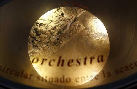 Tres trozos permiten ver los restos localizados en el subsuelo  Foto: Jose Braza