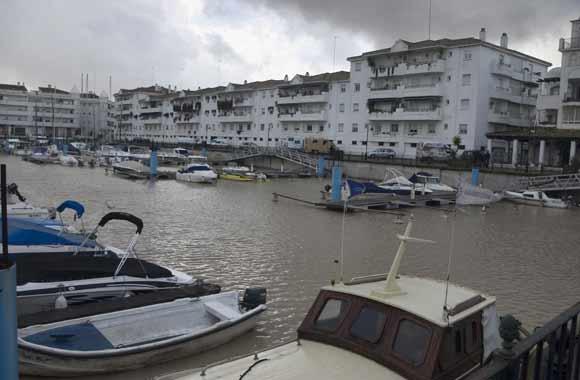 Embarcaciones en el Río Guadalquivir  Foto: Manuel Gómez