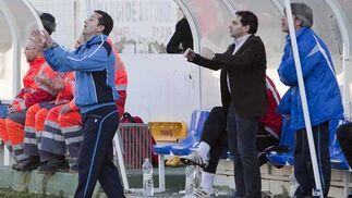 Tensión en el banquillo visitante  Foto: Pascu Méndez (LOF)