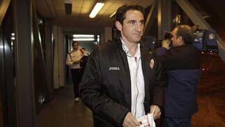 El técnico de Arahal no podrá contar para este partido con Luis Fabiano y Capel, lesionados.   Foto: Antonio Pizarro