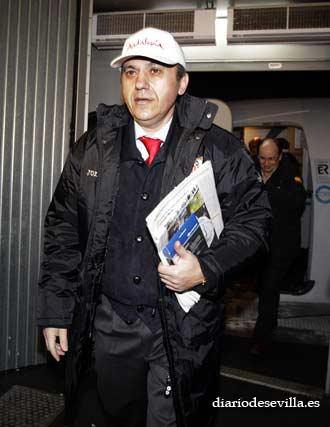 José María Del Nido, tras el aterrizaje en Moscú.   Foto: Antonio Pizarro