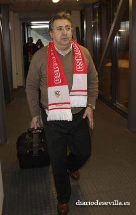 El portavoz del Partido Popular, Juan Ignacio Zoido, acompañó al equipo en su asalto a Moscú.   Foto: Antonio Pizarro