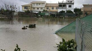 La crecida del río Gualdaquivir inunda algunas zonas de la provincia.