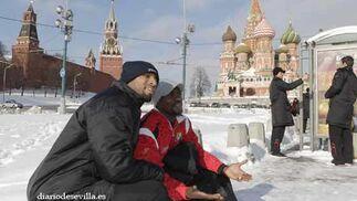 Todos se hicieron fotos junto con la nieve de la capital rusa.   Foto: Antonio Pizarro