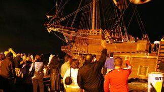 El Galeón 'Andalucía' partió del muelle de Levante, en Huelva, rumbo al puerto de Sevilla.  Foto: Alberto  Domínguez