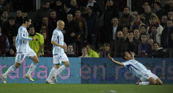 Valdo celebra el gol del empate malaguista a falta de diez minutos para el final. / AFP