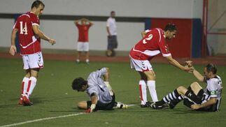 La Balompédica cae en la final del trofeo de Gibraltar en un partido accidentado en el que la afición local se comporta con hostilidad y ofensa hacia la de La Línea  Foto: Paco Guerrero