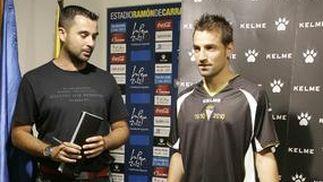 La tercera camiseta es negra con vivos en blanco y detalles en dorado.   Foto: Jesus Marin