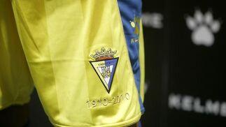La principal novedad de la primera equipación es el color amarillo del pantalón, en lugar del tradicional azul.   Foto: Jesus Marin