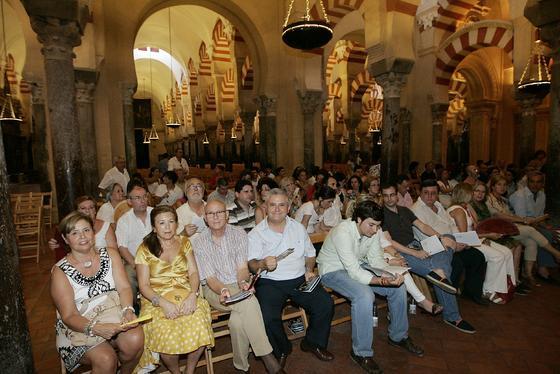 La orquesta West-Eastern Divan dirigida por el argentino Daniel Barenboim ofrece su concierto del verano en la Mezquita-Catedral. / Barrionuevo