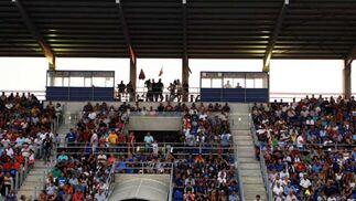 El estadio Antonio Barbadillo registró una entrada de unos 3.000 aficionados, la mayoría de ellos xerecistas  Foto: Ramon Aguilar