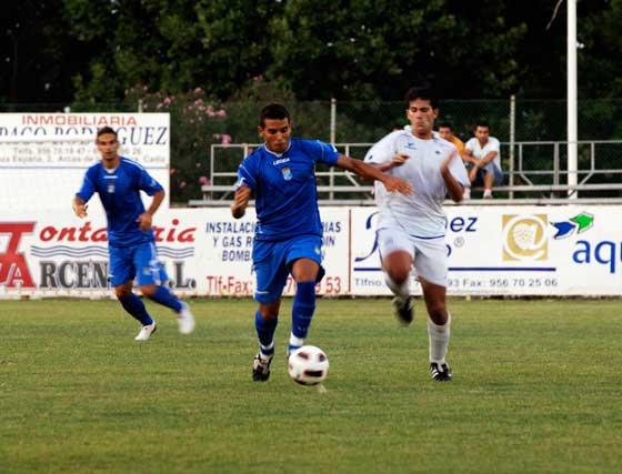 El técnico xerecista Javi López volvió a confeccionar un once para cada mitad y utilizó también dos sistemas  Foto: Ramon Aguilar