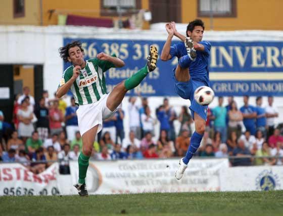 En el primer periodo el partido comenzó igualado, pero con el paso de los minutos el dominio del equipo azulino se hizo evidente.  Foto: Juan Carlos Toro