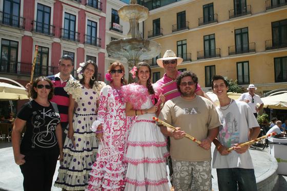 Victoria, Sergio, Elena, Lola, Susana, Miguel, Israel y Miguel.  Foto: PUNTO PRESS