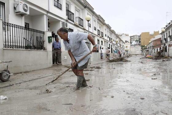 Tres fallecidos y numerosos daños materiales por las fuertes lluvias registradas en la provincia  Foto: EFE