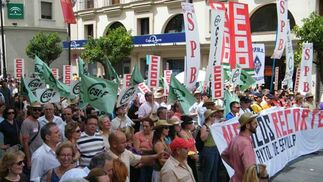 Manifestación Ayuntamiento 02062010  Foto: CSIF