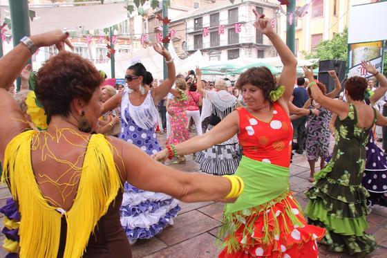 A pesar de que la alerta naranja estaba amenazando, el ambiente de fiesta no cayó en el martes de Feria.