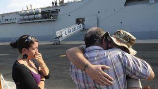 El buque Galicia parte de la Base Naval de Rota con rumbo a Somalia para sumarse a la operación Atalanta.   Foto: Borja Benjumeda
