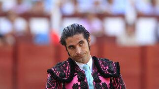 Javier Conde durante su actuación, en la plaza de toros de La Malagueta.  Foto: Sergio Camacho