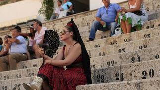 Público asistente a los festejos de la plaza de toros de Málaga.  Foto: Sergio Camacho