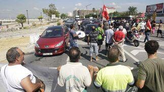 Los empleados del Ayuntamiento de La Línea continúan sus protestas por el impago de la nómina  Foto: Erasmo Fenoy