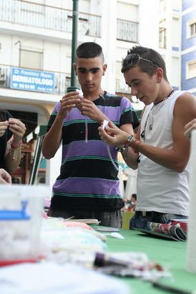La Coordinadora Barrio Vivo realizó en la plaza Neda talleres para niños y mayores  Foto: Vanessa Perez